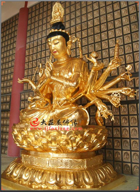 铜雕贴金准提菩萨像