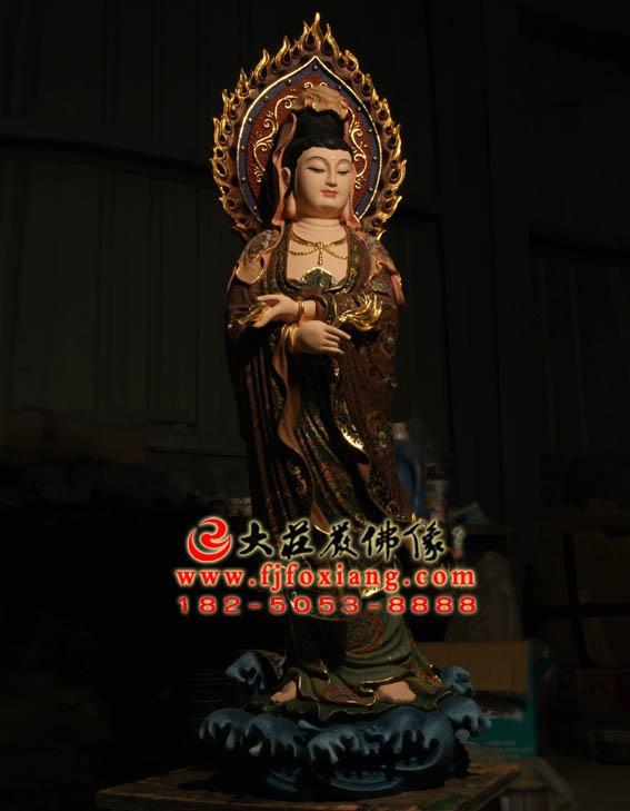杨柳观音塑像